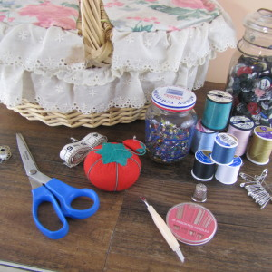 Build a Basic Sewing / Mending Supply Kit