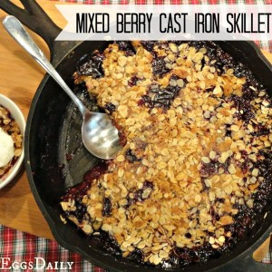 Mixed Berry Crisp Baked in a Cast Iron Frying Pan