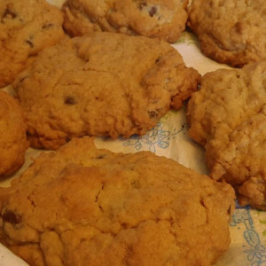 Mom's Famous Chocolate Chip Oatmeal Cookies
