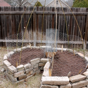 How to Build a Composting Keyhole Garden