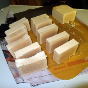 Making 100% beef tallow soap