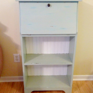 Farmhouse Bookcase Makeover