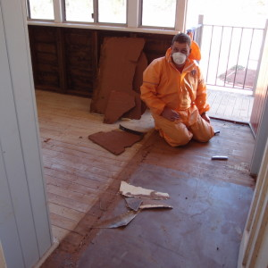 Removing asbestos safely