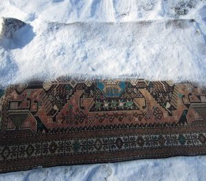 Cleaning Wool Rugs & Blankets With Snow
