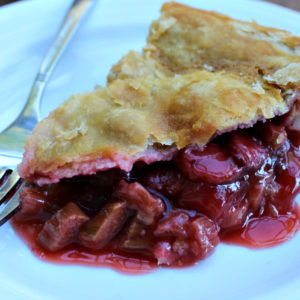 Maple Sweetened Strawberry Rhubarb Pie